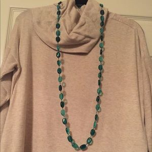 Jewelry - Turquoise glass stone necklace